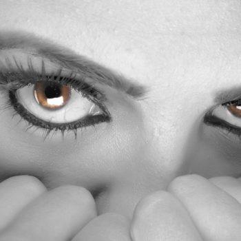 Françoise Singer Lâcher prise Sérénité. Art-thérapie. Sophrologie. Oser. Prendre du recul. Séances individuelles et collectives à Limal et à Waremme. Wavre. Association européenne de sophrologie. Prendre soin de soi. Créations d'harmonie. Peur de prendre l'avion. Dépasser ses peurs grâce à la sophrologie. La sophrologie pour dépasser la peur de prendre l'avion. Lâcher prise.